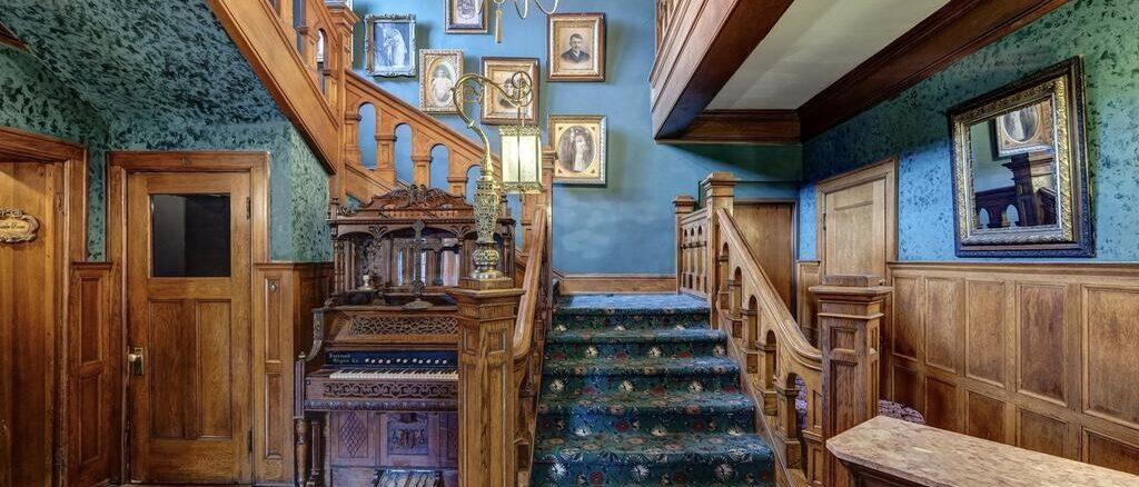 Brumder Mansion Stairwell